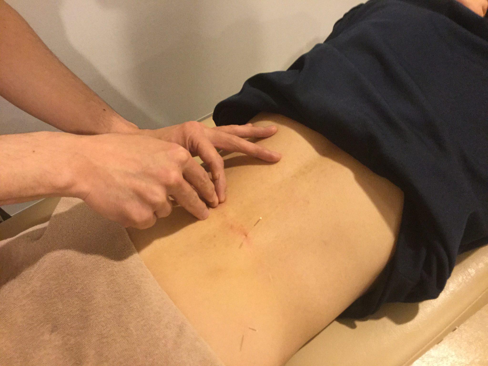 寝返り動作での腰の痛み